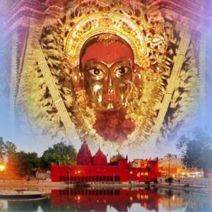 Puja at Durga Temple (Monkey Temple Varanasi)