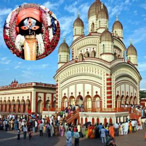 Puja at the Kalighat Kali Temple Kolkata