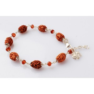 3 Mukhi Rudraksha with Gomed Bracelet in Silver Capping