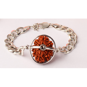 Narayan Krishna Bracelet Nepal Small Silver Chain